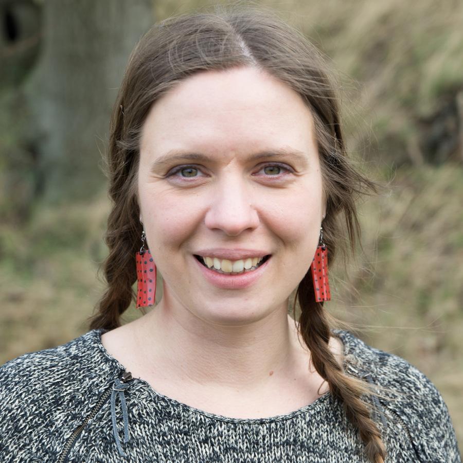 Anna-Karin    Lindblom